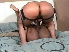 Hot lesbian licks out her girlfrind lesbian porn movies