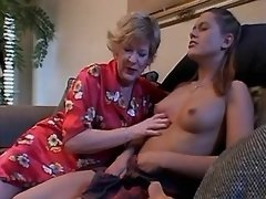 Teen lezzie loses virginity w dildo mature girl porn